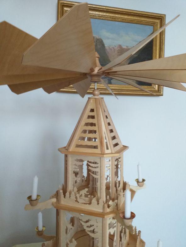 P 02 erzgeb. Pyramide Waldleute